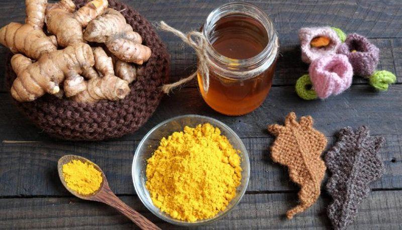 Loại bỏ mỡ thừa bằng việc uống nước mật ong nghệ