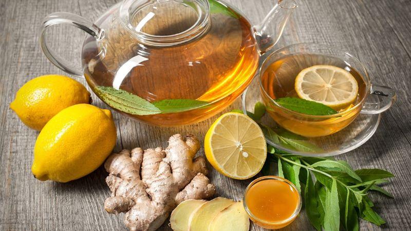 Sử dụng siro mật ong ngâm gừng để pha trà