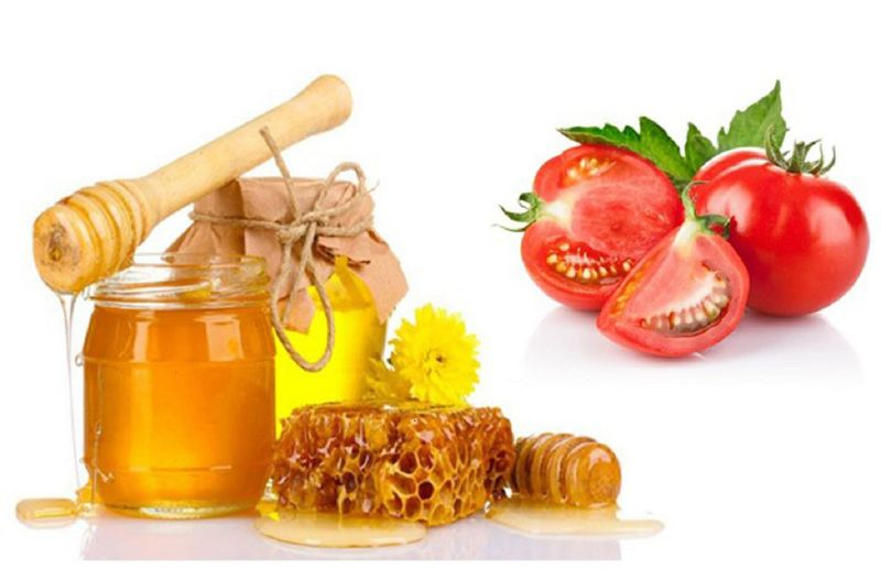 Mặt nạ cà chua kết hợp với mật ong