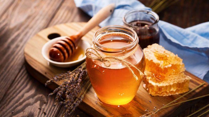 Sử dụng que diêm thử mật ong