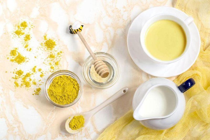 Mặt nạ trị mụn từ nghệ, mật ong, sữa tươi