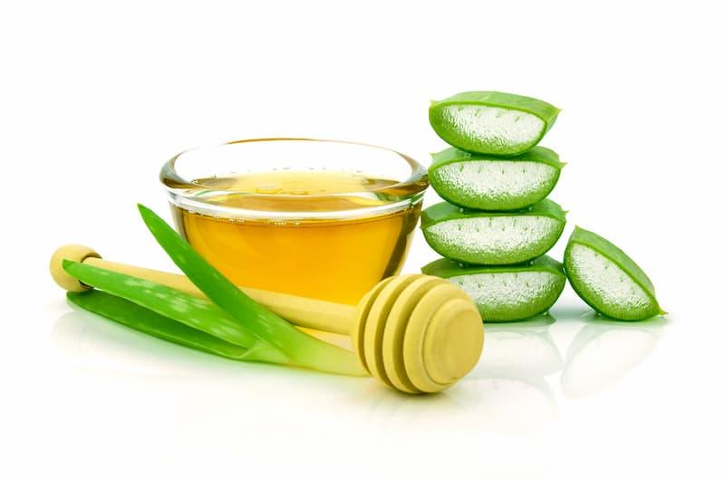 dưỡng ẩm cho da với mật ong và nha đam