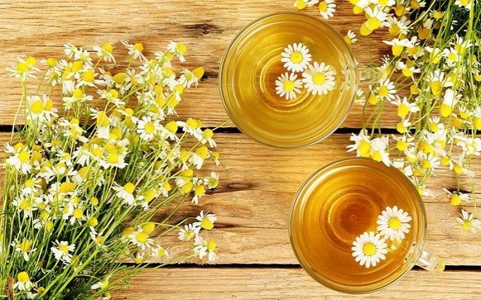 thời điểm dùng trà hoa cúc đường phèn mật ong